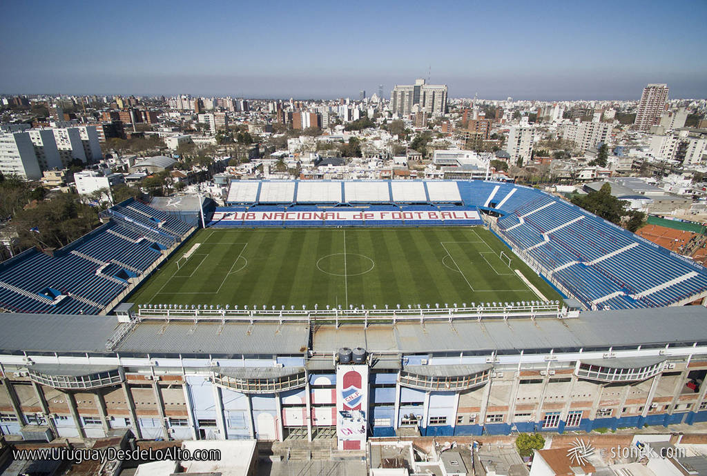 Foto aérea del estadio del Club Nacional de Football en el Gran Parque Central