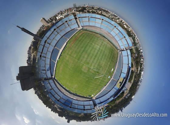 Panorama aéreo 3D del Estadio Centenario en Montevideo