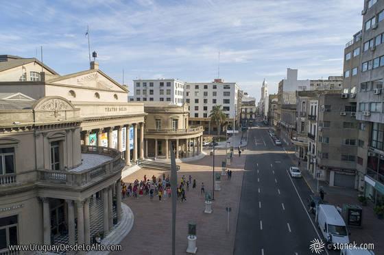 Calle Buenos Aires, teatro Solís