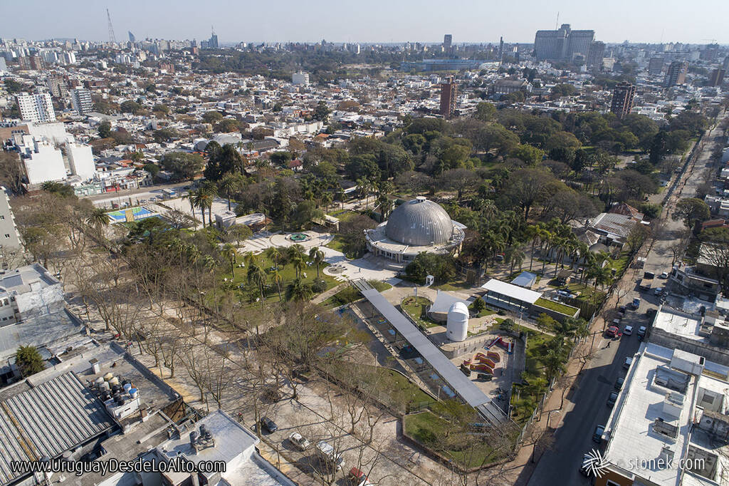 Vista aérea del Parque de la Amistad y el Planetario en Villa Dolores