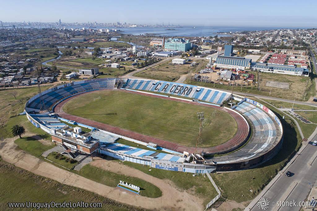 Vista aérea del estadio Luis Tróccoli del Club atlético Cerro, Montevideo, Uruguay